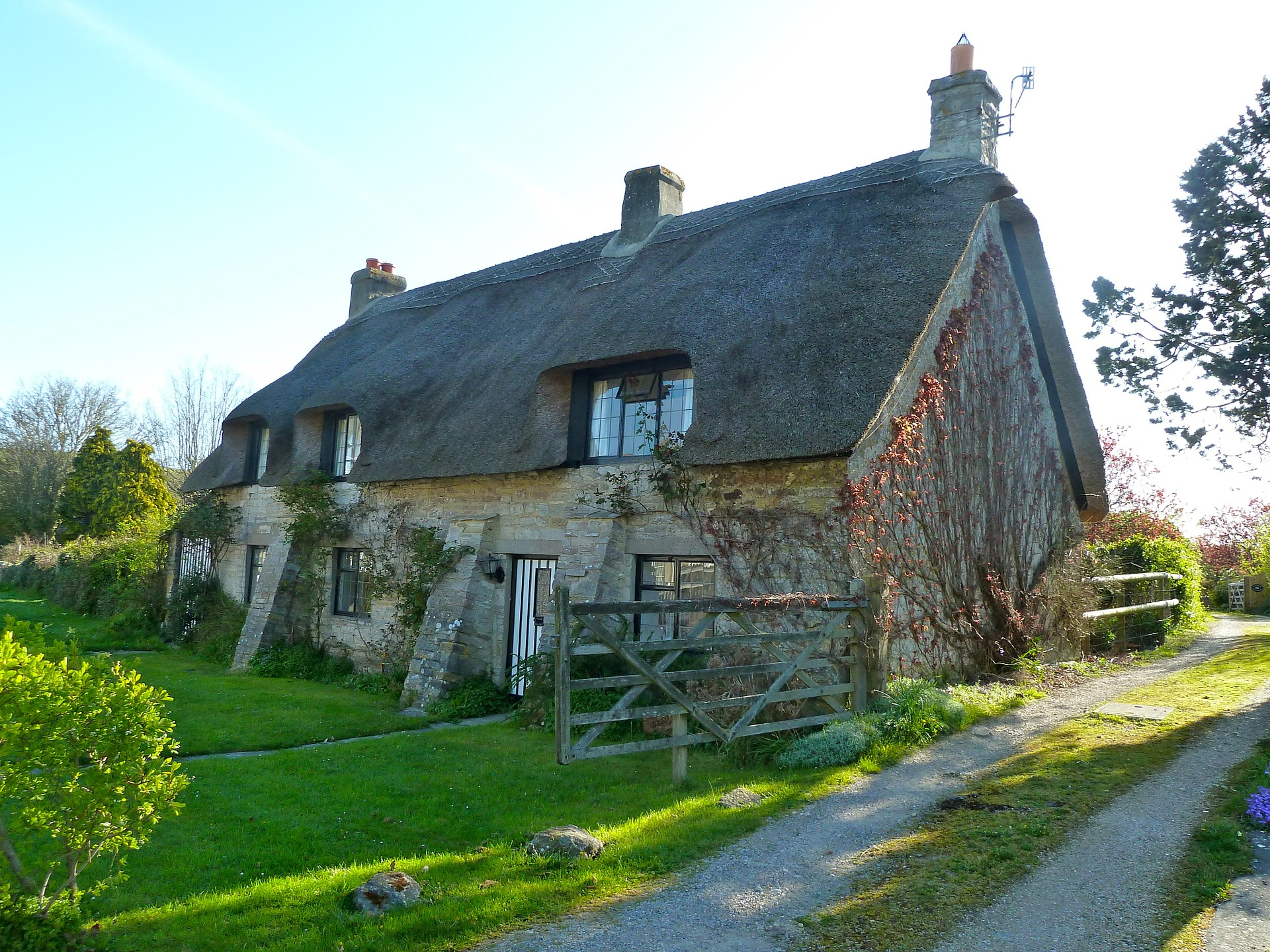 Save Money On Your Thatched Home Insurance With The Home Insurer